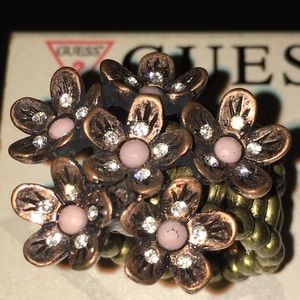 New-Rose golden GUESS Cluster Stacked Costume Ring